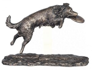Photo of Catch Dog Figurine Genesis Fine Arts 31cm