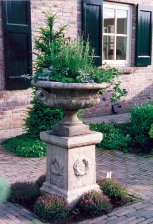 Photo of Laurel Large Stone Plinth