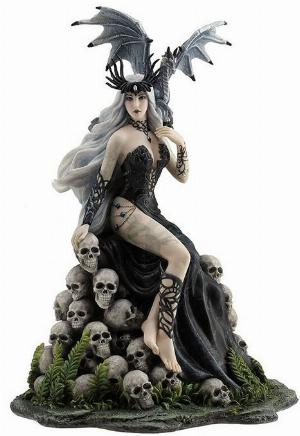 Photo of Mad Queen by Nene Thomas Figurine 26cm