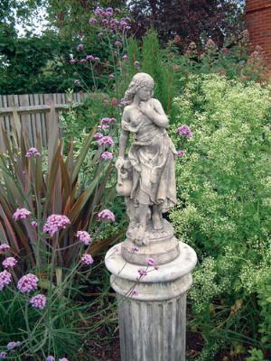 Photo of Slave Girl Stone Statue