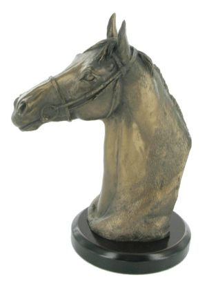 Photo of Thoroughbred Horse Head Figurine (David Geenty)