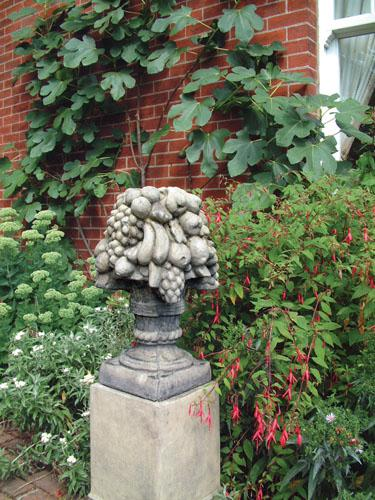 Photo of Basket of Fruit Stone Finial