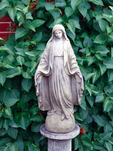 Photo of Mary Stone Sculpture