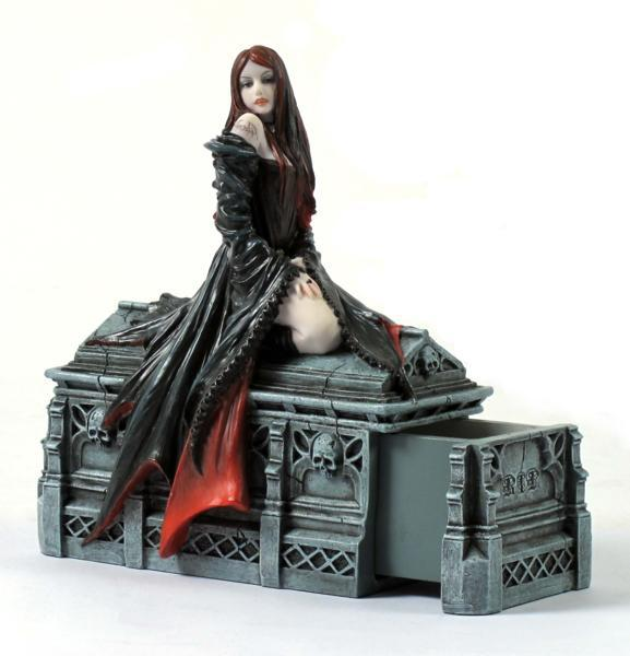 Photo of Await the Night Figurine Anne Stokes