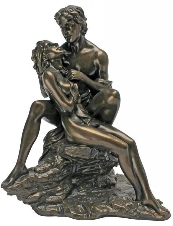 Photo of Sensual Lovers Statue
