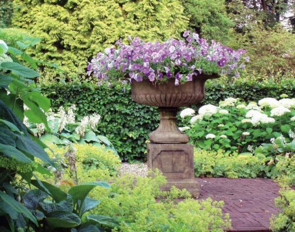 Photo of Grand Victorian Stone Tazza